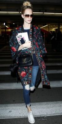 Poppy Delevingne :  elle adopte le kimono imprimé !