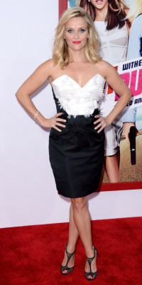 Reese Witherspoon : le look black & white : irrésistiblement chic !
