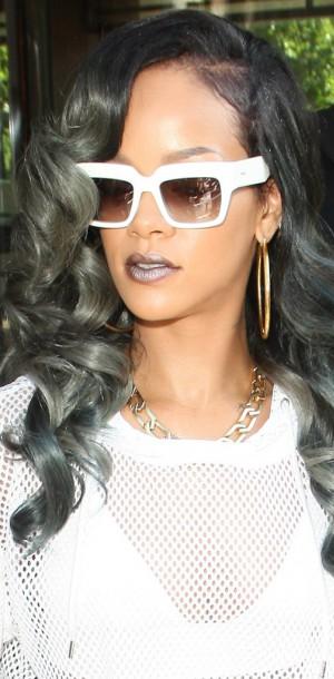 Rihanna VS Kylie Jenner : 50 Shades Of Grey