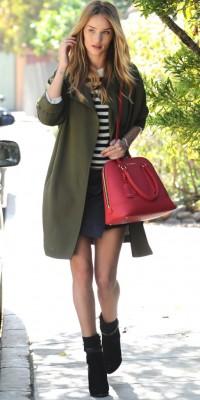 Rosie Huntington-Whiteley : on craque pour son look de mi-saison !