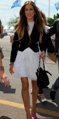 Sarah Jessica Parker : une sex(y) and the city girl radieuse dans les rues de Cannes !