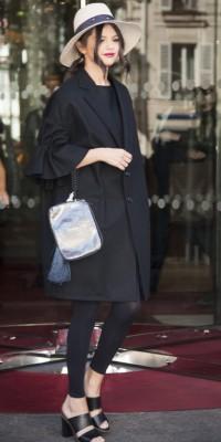Selena Gomez : irrésistible dans les rues de Paris !