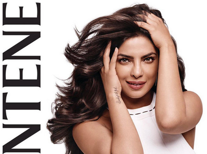 Après Selena Gomez, Priyanka Chopra devient égérie Pantene !