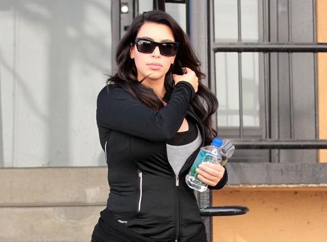 """Beauté : Kim Kardashian """"a payé son entraîneur pour venir pendant sa lune de miel"""" !"""