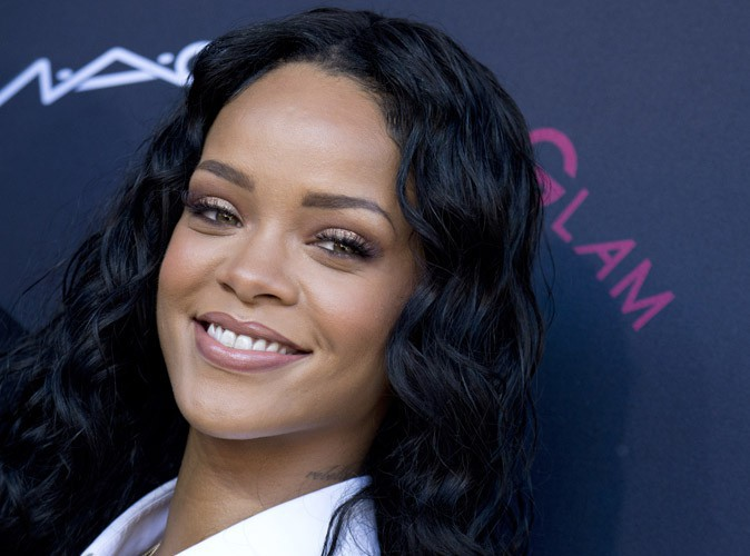 Beauté : Rihanna est-elle de plus en plus naturelle ?
