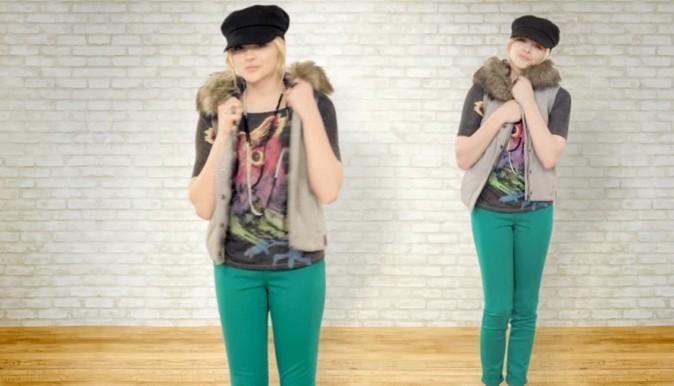 Les pantalons colorés n'ont plus de secret pour elle !