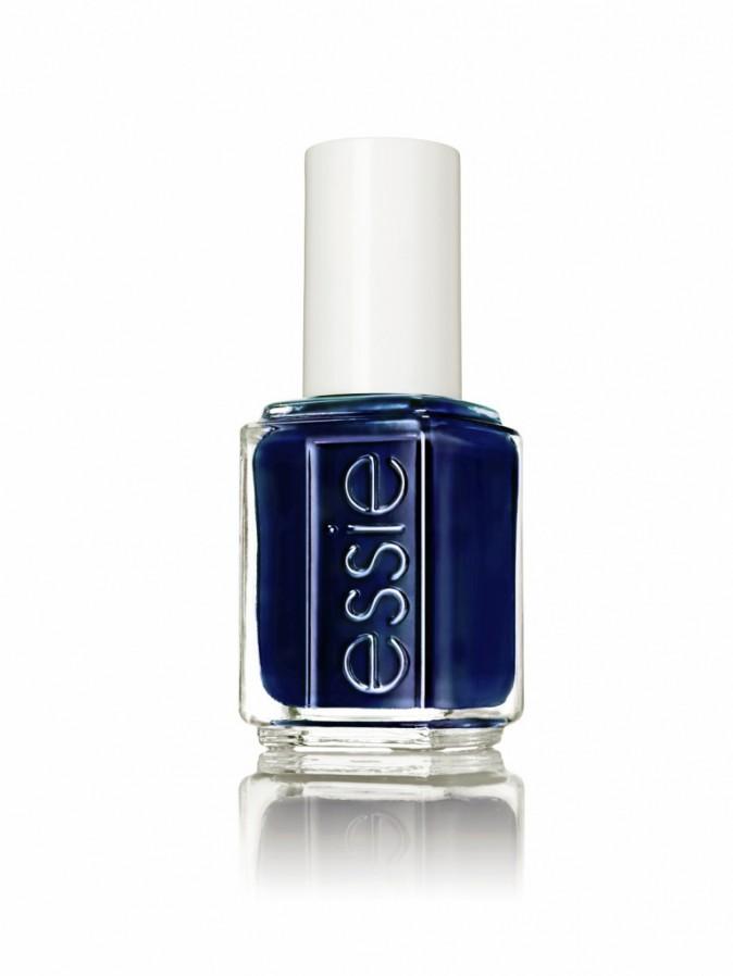 Vernis bleu, Style Cartel, Essie. 11 €.