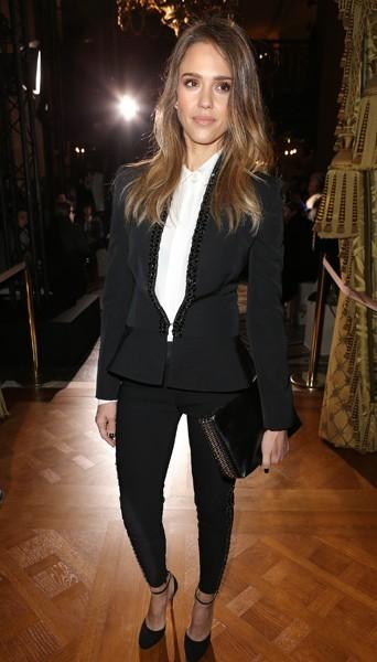 Jessica Alba chez Stella McCartney - Fashion week automne-hiver 2013/14