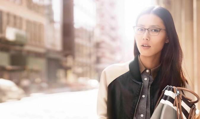 Karlie Kloss et Liu Wen : de nouveau égéries pour la compagne printemps-été de Coach !