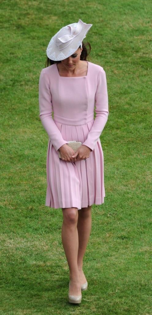 Kate Middleton : garden party à Buckingham !