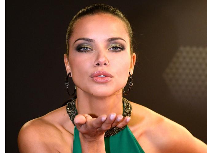 Mode : Adriana Lima : première égérie de Desigual !