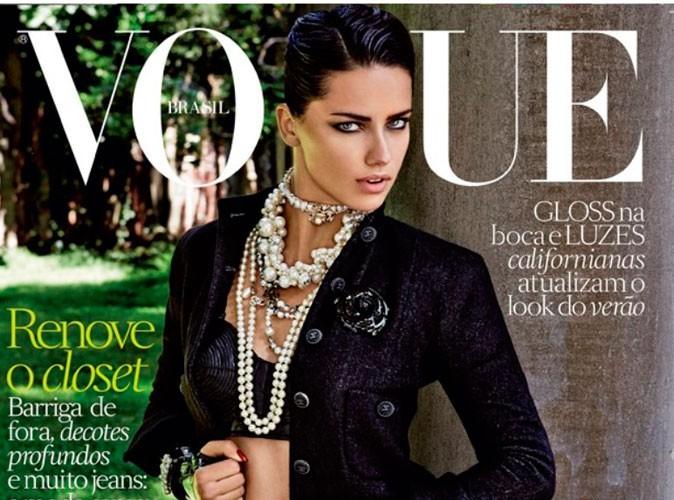 Mode : Adriana Lima : sexy et explosive habillée par Chanel en couverture du Vogue Brésil !