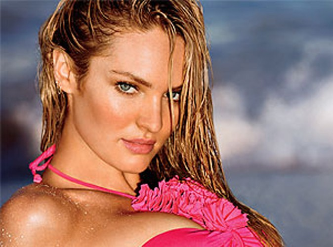 Mode : Candice Swanepoel : elle fait monter la température en bikini rose !