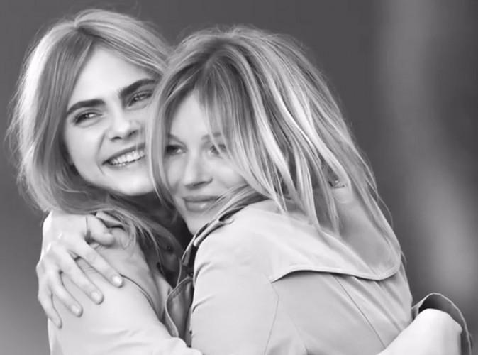 """Mode : Cara Delevingne et Kate Moss : un duo """"explosif"""" et complice lors du tournage """"My Burberry"""" !"""