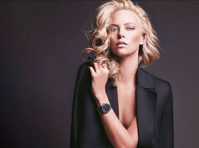 Mode : Charlize Theron pose pour les montres Dior !