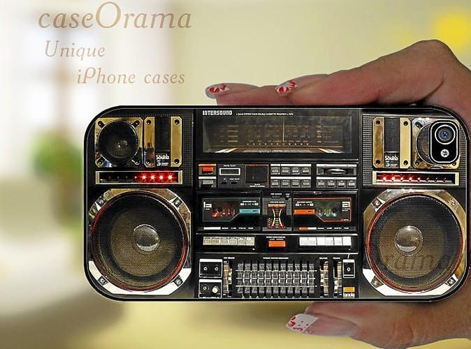 Pour iPhone : Coque chaîne hi-fi , boutique CaseOrama, sur etsy.com 13,53 €