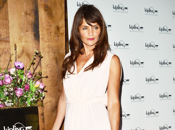 ​Mode : Helena Christensen lance sa collection de sacs avec Kipling !