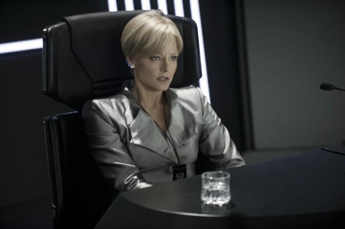 Mode: Jodie Foster habillée par Armani dans le film Elysium !