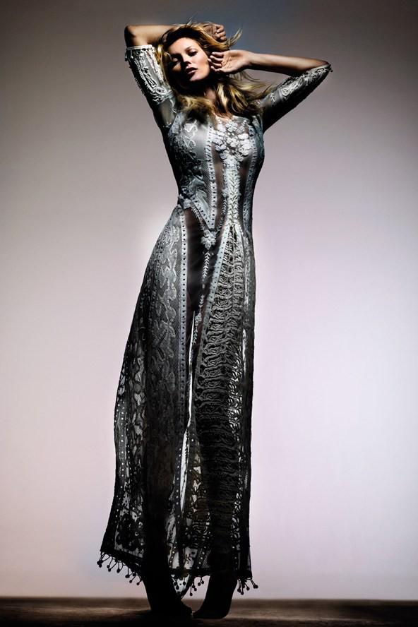 Robe longue, bohème et brodée pour cet été