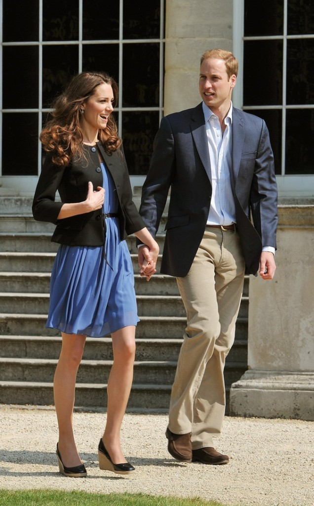 Mai 2011 : robe bleue Zara, 59 €