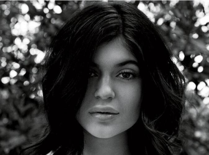 Mode : Kylie Jenner : sobre et naturelle, elle s'offre un shooting glam' pour CR Fashion Book !