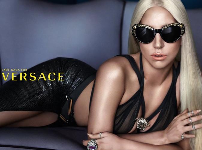 Mode : Lady Gaga prend le soleil pour Versace !