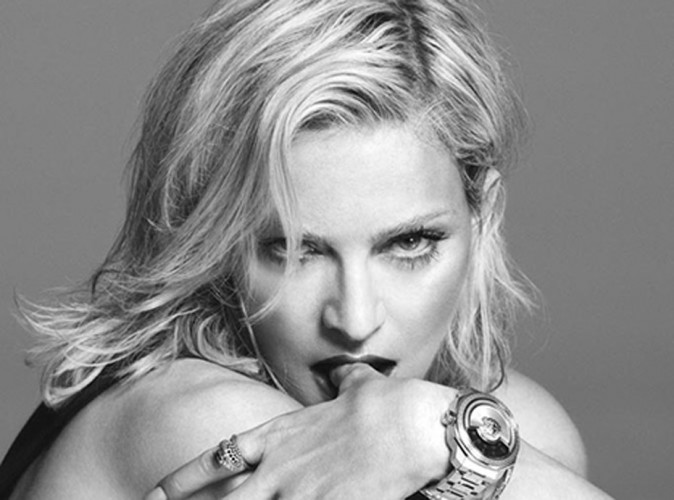Mode : Madonna : sa campagne provoc' pour Versace... c'était pour la bonne cause !