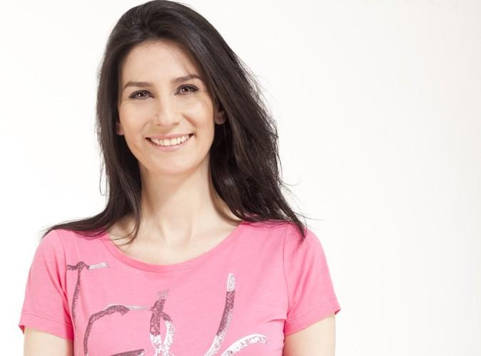 """Mode : Marie Drucker prend la pose pour Caroll afin de soutenir l'association """"Toutes à l'école"""" !"""