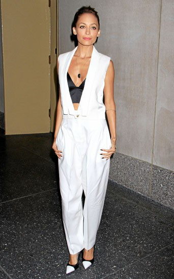 Le look white winter inspiré par Nicole Richie