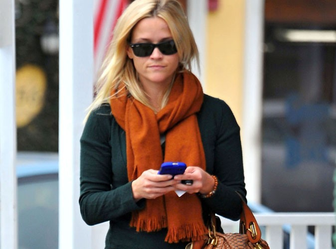 Mode : Reese Witherspoon abandonne son sac en python à 3 280 $ !