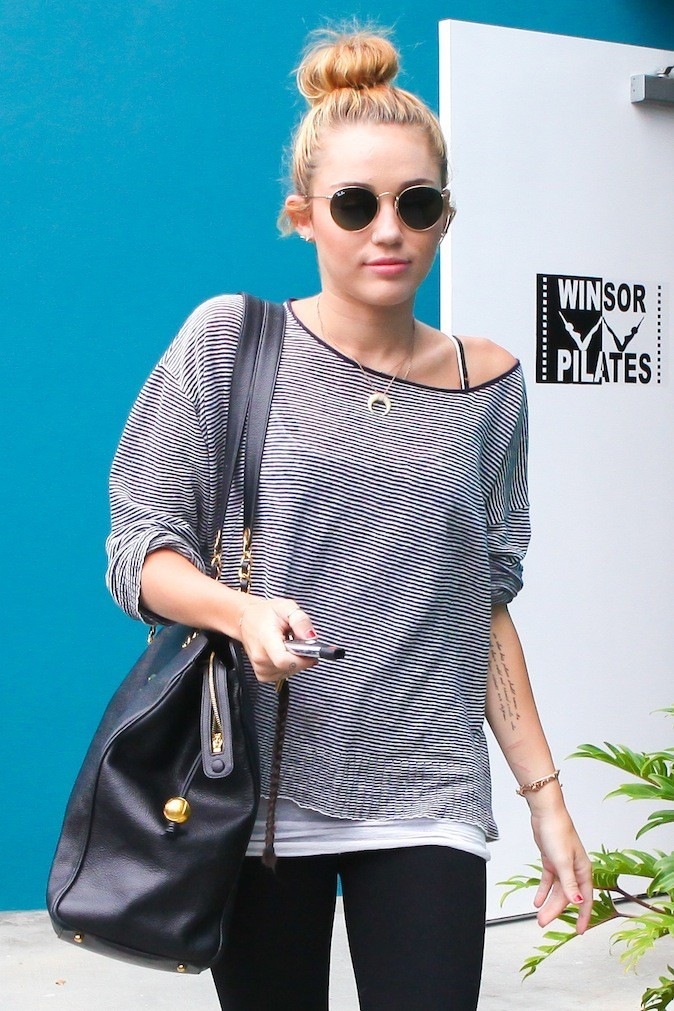 Miley Cyrus, accro aux Ray Ban !