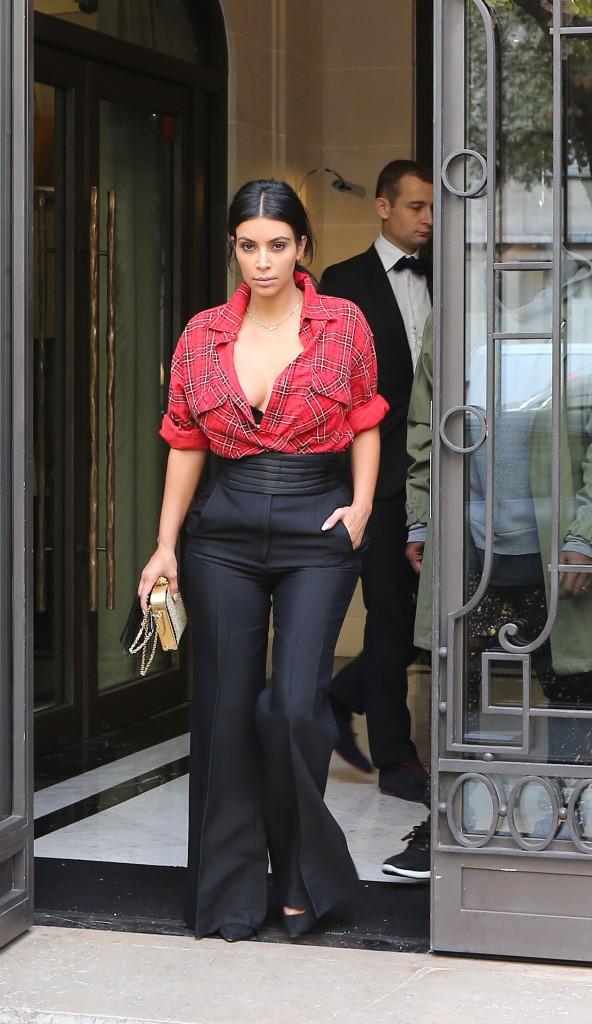 Photos : Kim Kardashian : retour en images sur ses looks audacieux de la Fashion Week parisienne