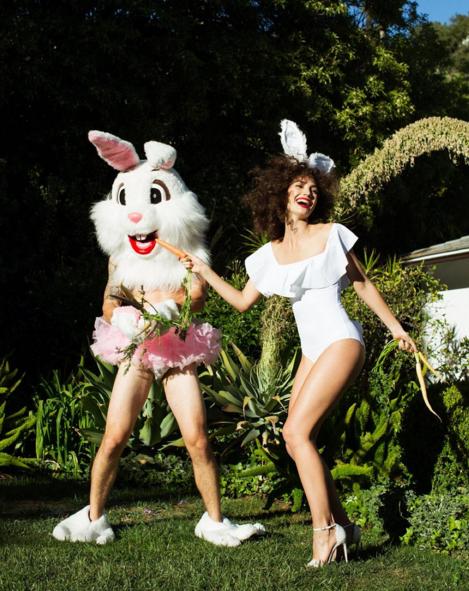 Photos : Lily Aldridge : elle fête Pâques en lapine sexy pour Love Magazine