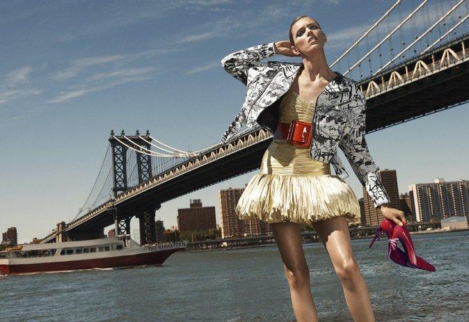 Anja Rubik : elle pose pour le catalogue saisissant et artistique de BG Magazine !