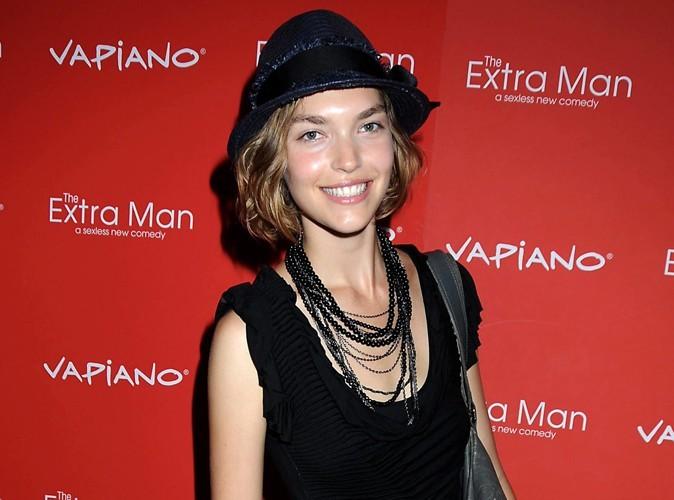 Arizona Muse : Le top model américain est la nouvelle égérie d'Estée Lauder !