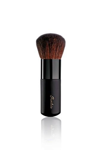 6. Pinceau poudre bronzante, Terracotta Brush, Guerlain. 35 €.