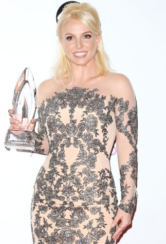 Britney Spears en blonde jusqu'au 7 février 2014 !