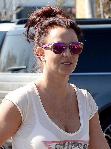 Depuis le 20 février 2014, Britney s'affiche rousse !