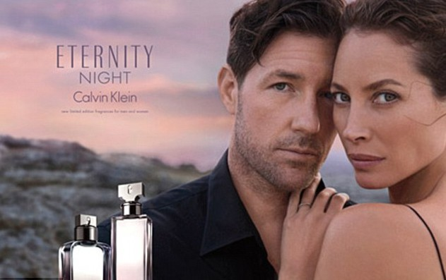 Christy Turlington et son mari, Ed Burns pour le parfum Eternity Night en 2014 !