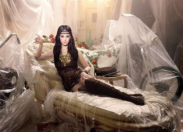 La coiffure hippie de Katy Perry pour GHD