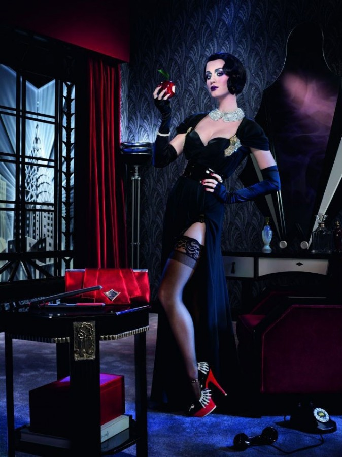 Katy Perry pour GHD femme fatale sexy