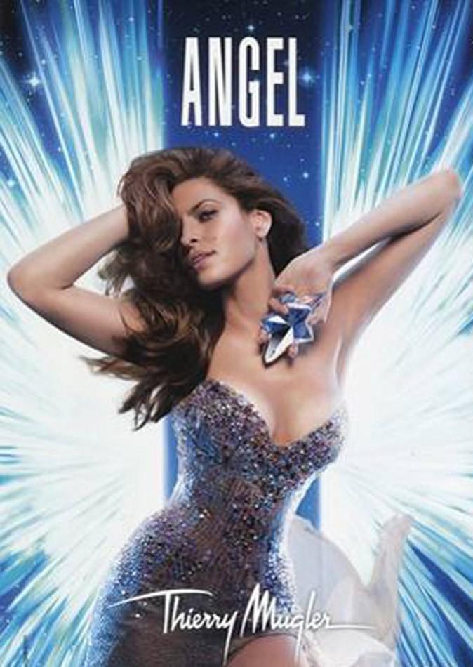 Eva Mendes brille de mille feux pour Angel by Thierry Mugler