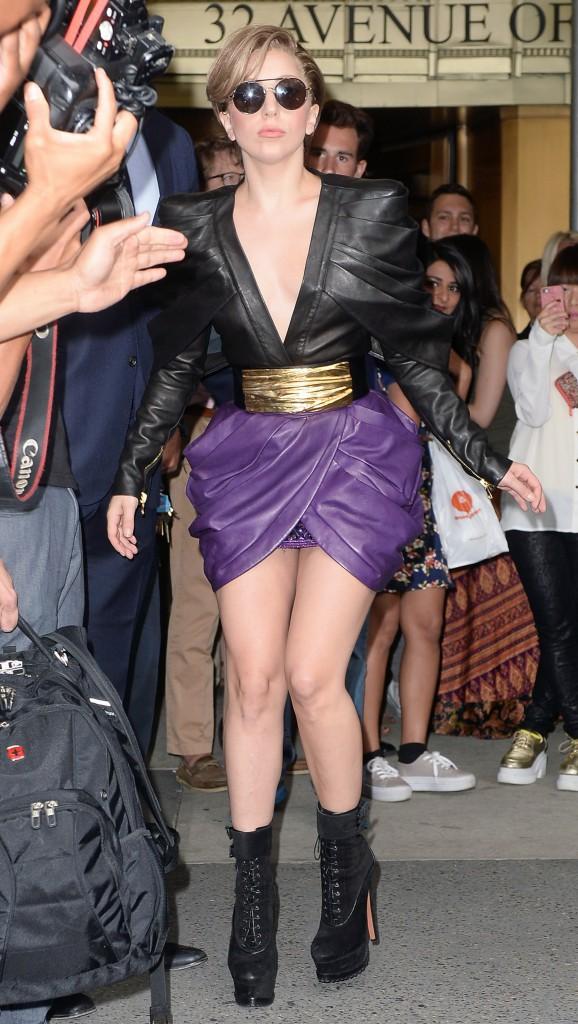 "Elles sont canons sans ""thigh gap"" : Lady Gaga"