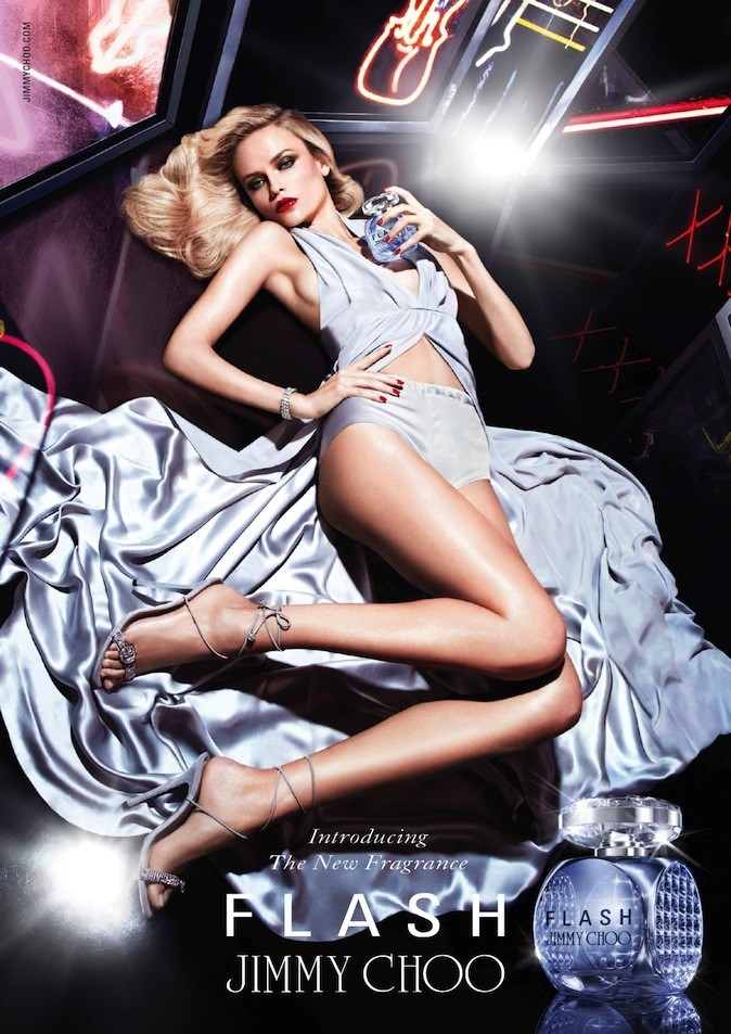 Natasha Poly pour Flash de Jimmy Choo