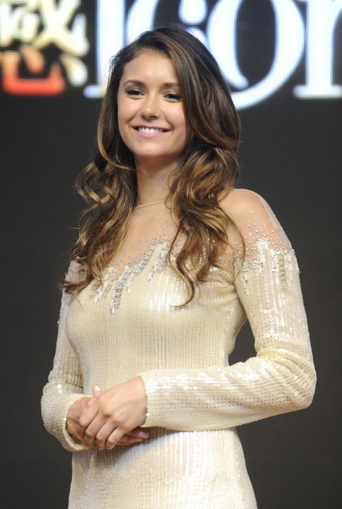 Beauté : Nina Dobrev : l'égérie Lux séduit la Chine cheveux au vent !