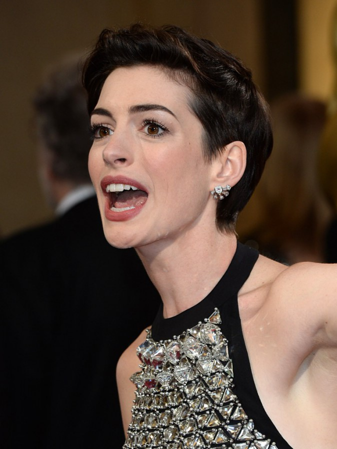 Anne Hathaway et sa coupe courte