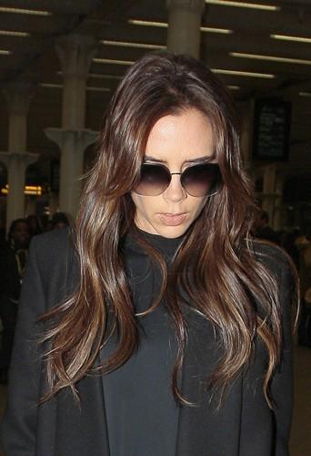 Victoria arbore une peau naturelle en 2013