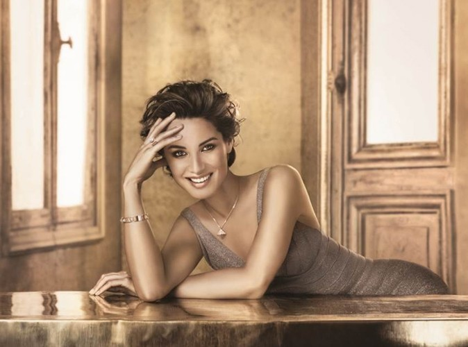 Bérénice Marlohe, rayonnante de beauté pour Swarovski