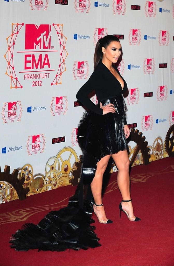 Kim Kardashian et sa queue de paon