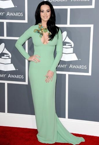 Un allure de sirène très sexy pour Katy Perry dans sa robe Gucci.